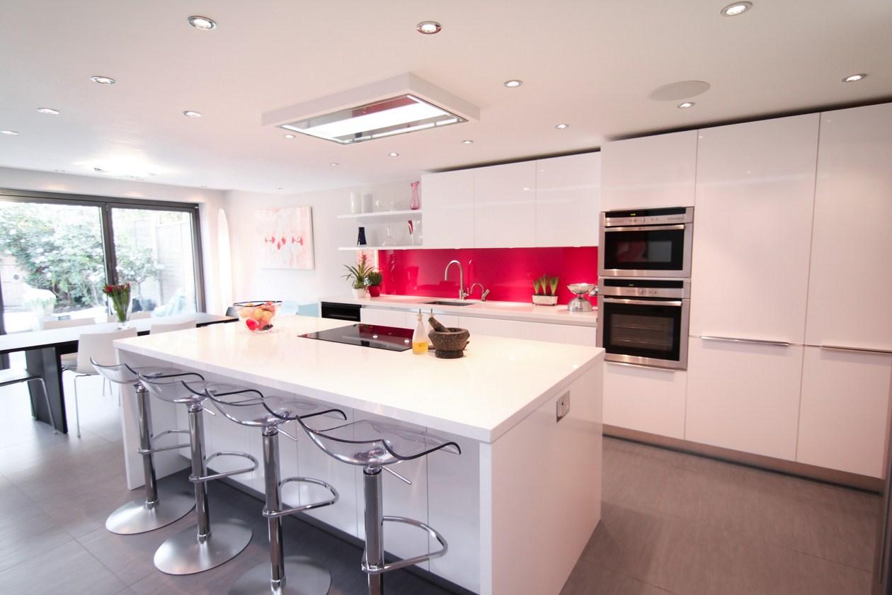 Een kookeiland in de keuken