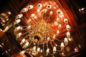 chandelier-857820_640