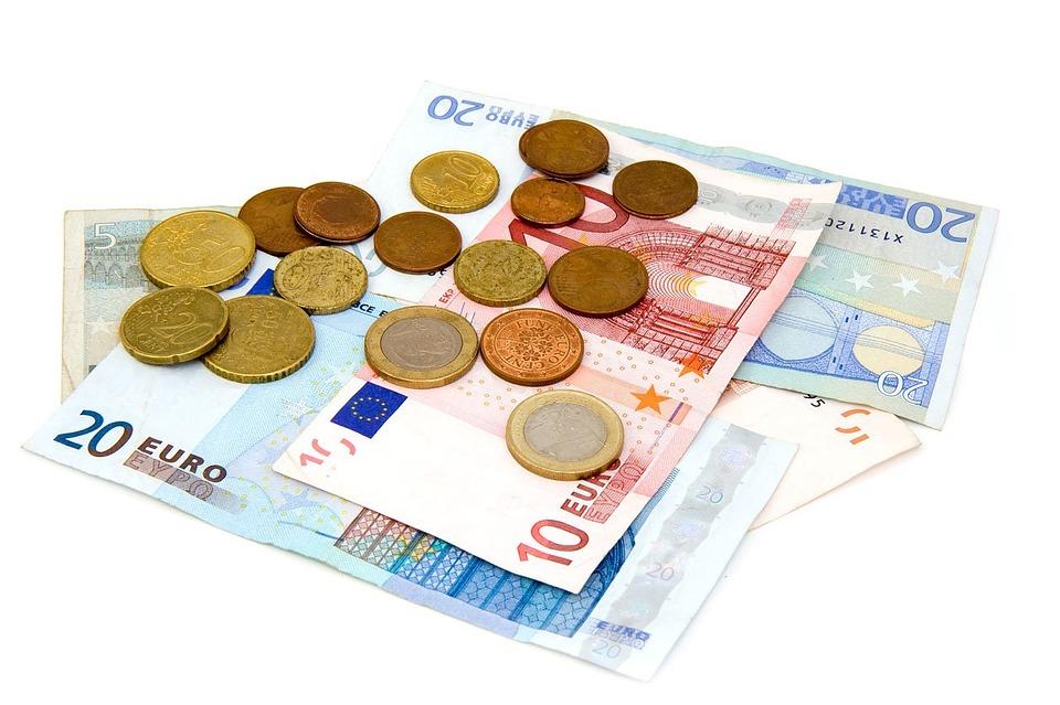 Hoe kun je besparen op je maandelijkse kosten?