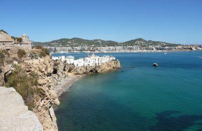 Die ideale plek voor een tweede huis? Wat dacht je van een huis op Ibiza?