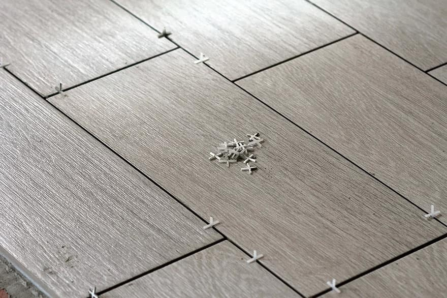 Een vloer laten leggen